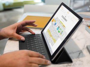 Na vlastní kůži: paní profesorko, mohl bych používat iPad místo sešitu?