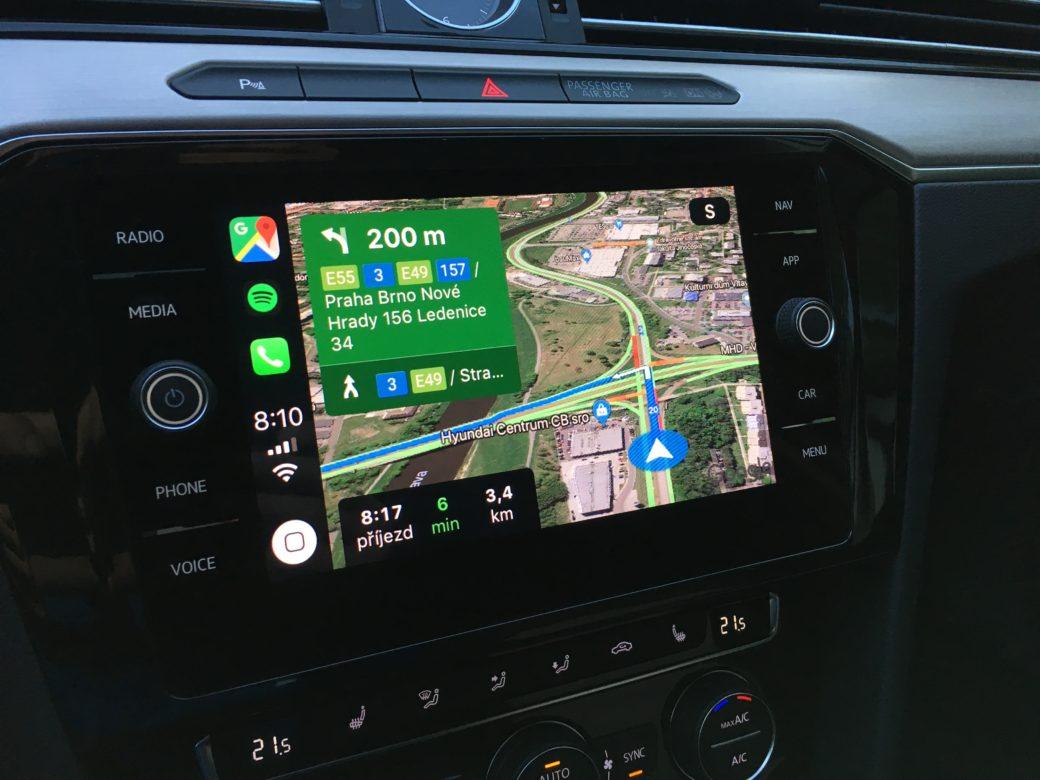 Google Mapy dostaly dlouho očekávanou aktualizaci s podporou Apple CarPlay